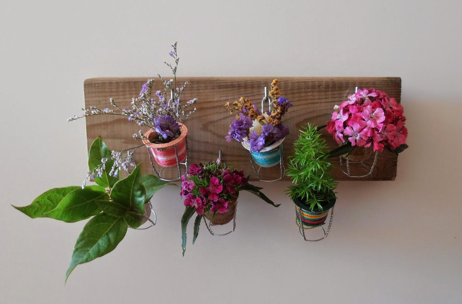 pequeño jardín con cápsulas de café