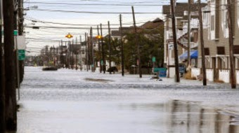 Flooding on 3rd Ave in Atlantic City. Storm damage in Cape May County. Thursday March 7, 2013. (Credit: Dale Gerhard/The Press of Atlantic City) Click to enlarge.