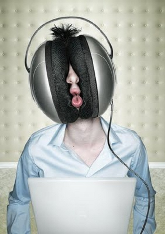 funny headphone user photo