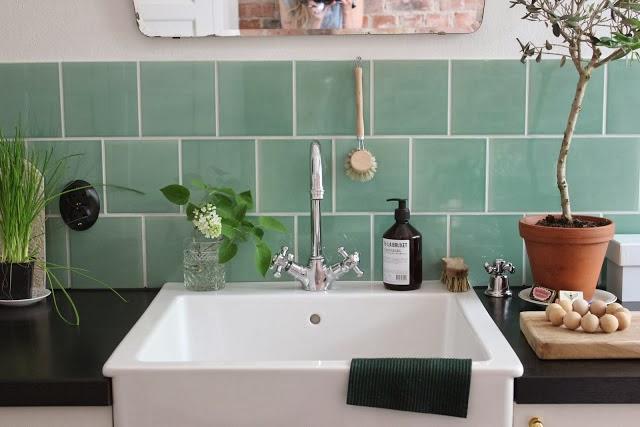 Bien chin la cocina de los azulejos verde agua for Azulejo de la pared de la cocina verde