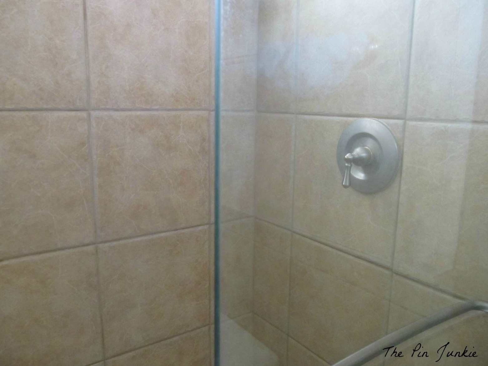 To clean glass shower doors the easy way how to clean glass shower doors the easy way planetlyrics Images