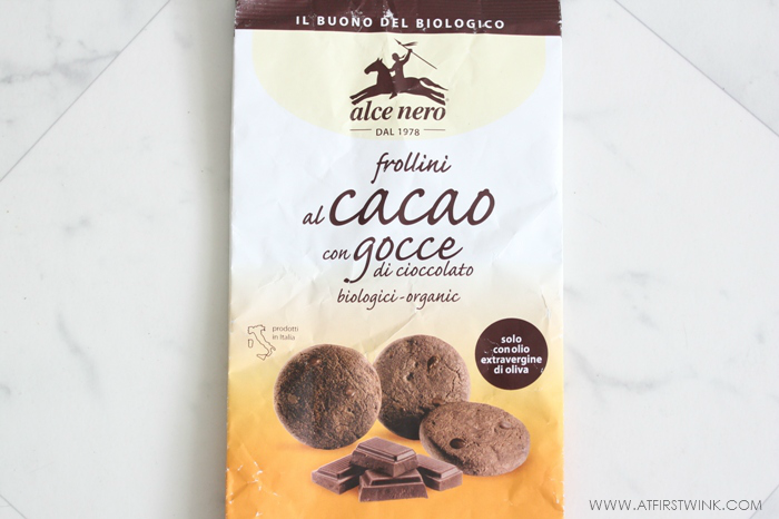 Empty bag of Alce Nero Chocolate chip chocolate cookies