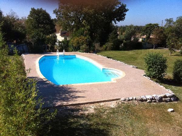 Construction de piscines entretenir sa piscine for Construction piscine 65