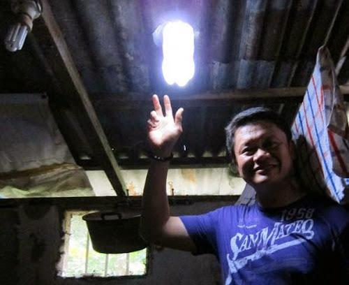 LAMPU MATAHARI DARI BOTOL PLASTIK BEKAS