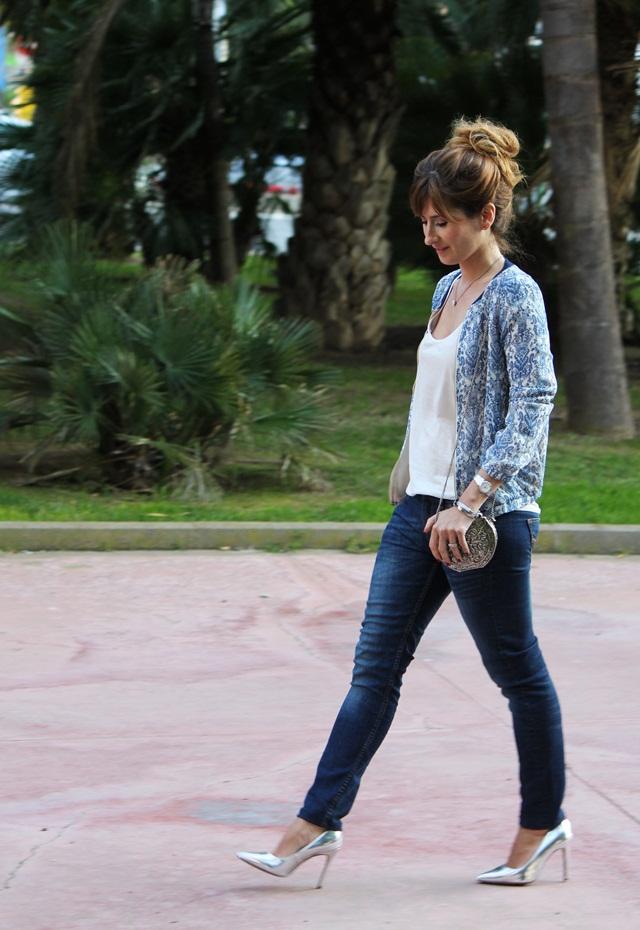bomber_jacket-chaqueta_bomber-zapatos_plateados_Bershka-pelo_recogido-a_trendy_life