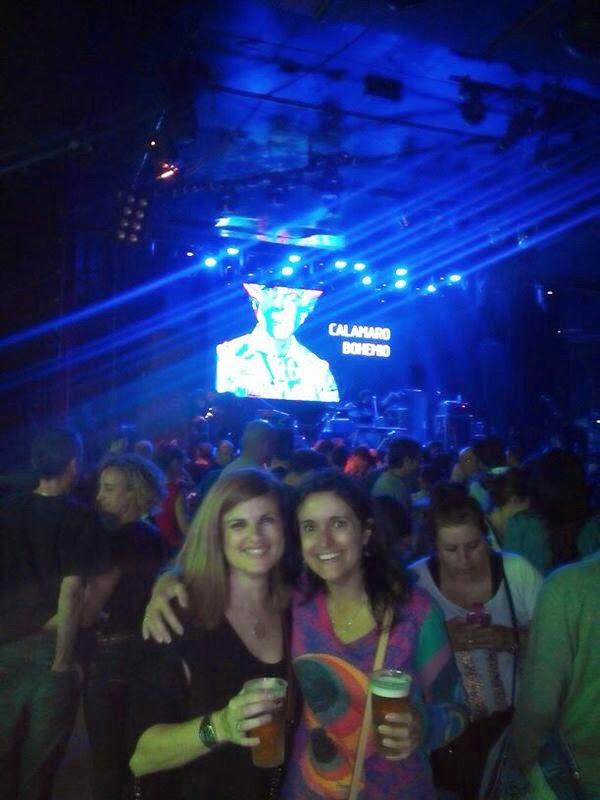 Inma Y Nuria en el concierto de Andrés Calamaro en la Riviera tras la apertura de puertas