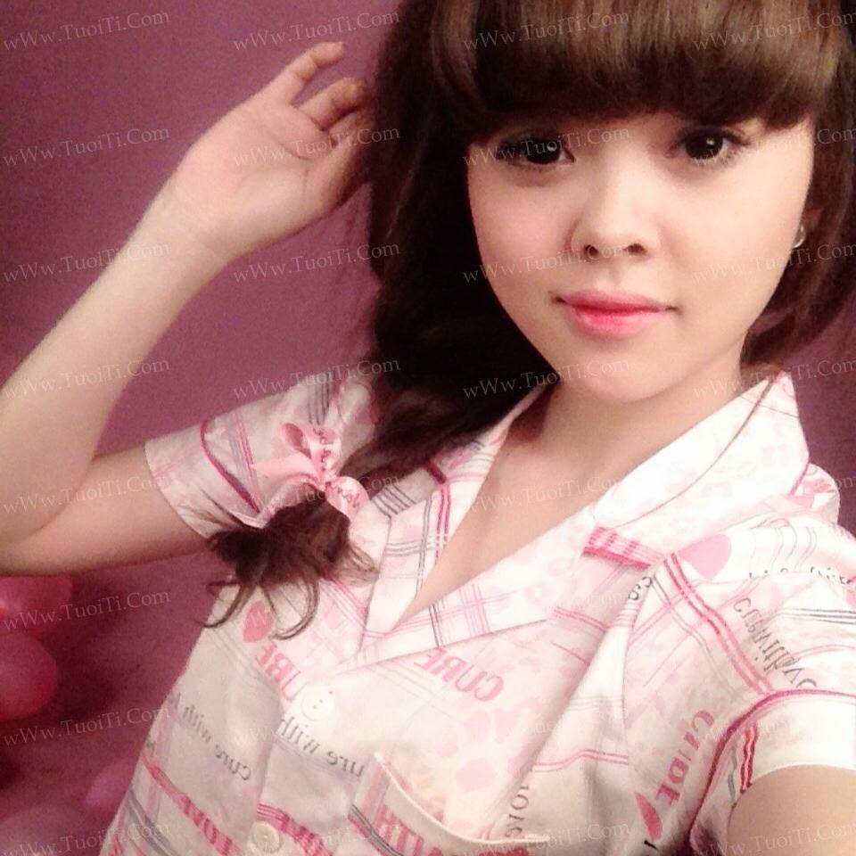 Ảnh gái xinh Yuni Trang trẻ nhưng siêu dâm 7