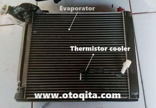 Gambar evaporator dan thermistor ac mobil