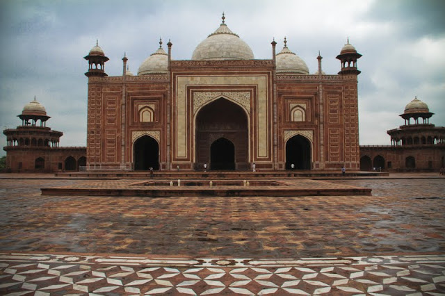 ethnic floor tiles, Agra, storm at the Taj, Muslim architecture
