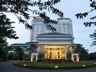 Hotel Santika Premiere Jakarta Barat, Bintang 4