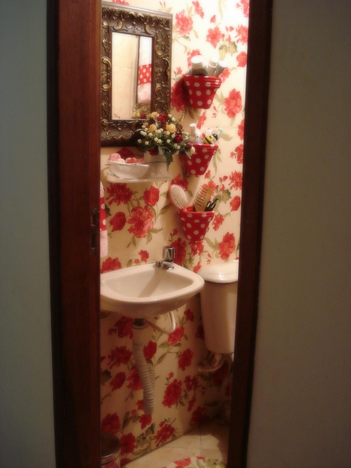 O Amor Ainda é Artesanal Banheiro Aconchegante -> Decoracao De Banheiro Com Tecido Na Parede