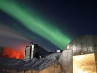 南極のオーロラ | 写真のイラストも商用利用できるサイトPixabay