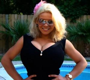 Sheyla Hershey, 28 tahun asal Brasil adalah pemilik payudara terbesar ...