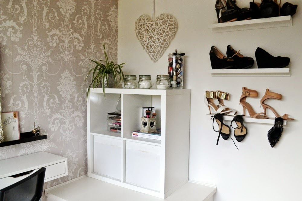 Beauty-Makeup-storage-room-ikea-alex-ekby-drawers-dressing-room