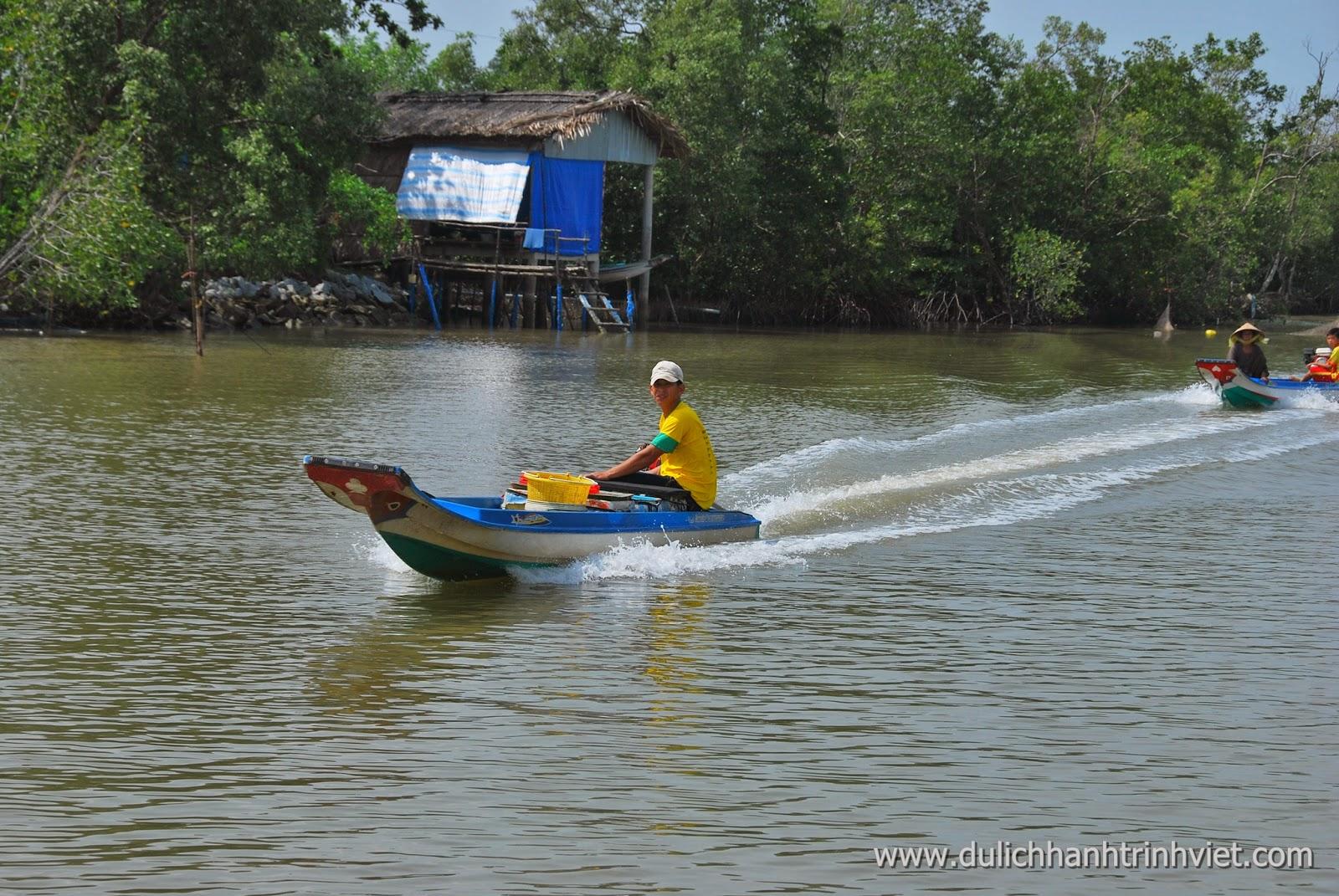 Cuộc sồng trên sông nước ở Đất Mũi Cà Mau