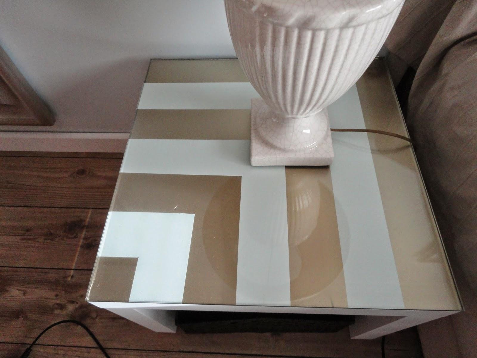 Pintar uma mesa de apoio