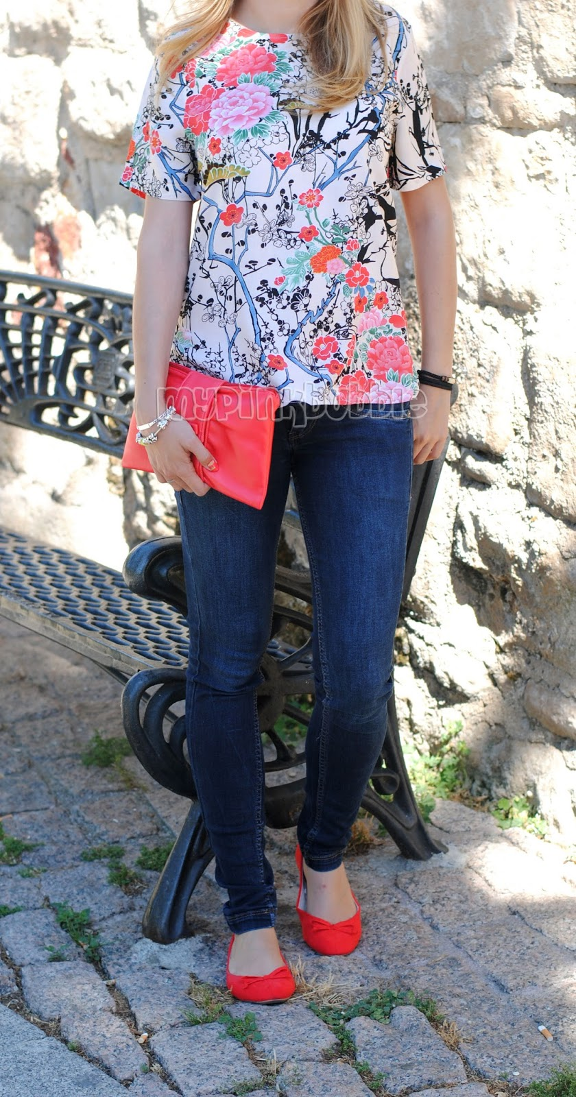 outfit camisa flores japonesa