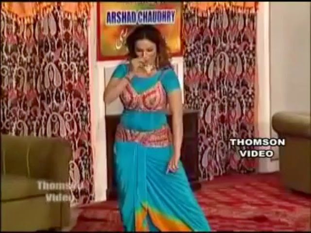 Download Nida Chaudhary full hot Nanga mujra Party