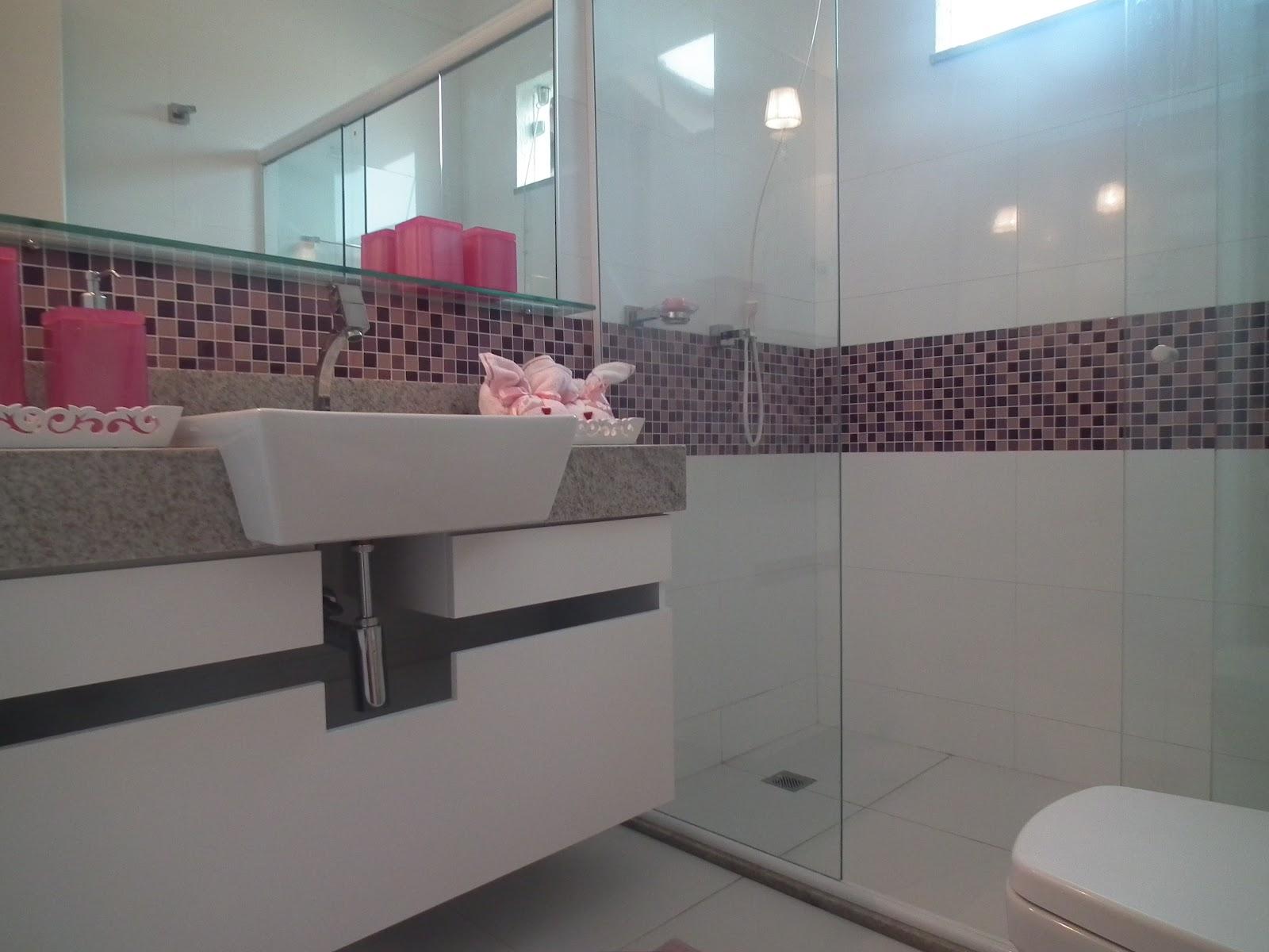 #467385  tons de roxo mesclado com o rosa e o tom de rosa deveria ser forte 1600x1200 px Banheiros Decorados Com Pastilhas De Vidro Lilas 1165