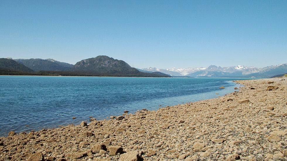 Las huellas del cambio climático en Alaska durante más de 100 años Muir+Glacier+and+Inlet+(2005)+-+Photos+of+Alaska+Then+And+Now.+This+is+A+Get+Ready+to+Be+Shocked+When+You+See+What+it+Looks+Like+Now.