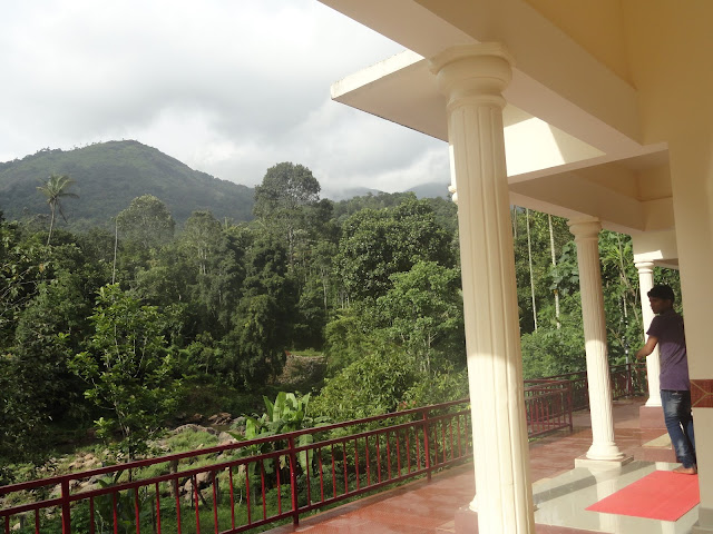 family cottage wth valley view rooms in munnar