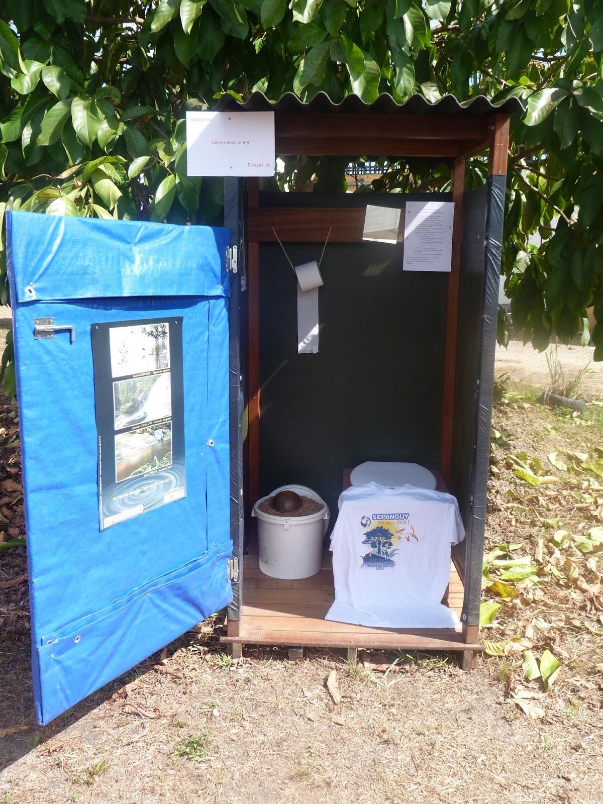 La pince en palette toilettes s ches au salon de l for Porte h salon de l agriculture