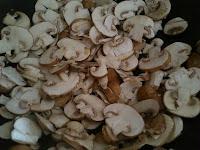 Stir frying Mushroom