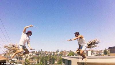 cara memotret Foto Terbang ala Sapu Sihir Harry Potter
