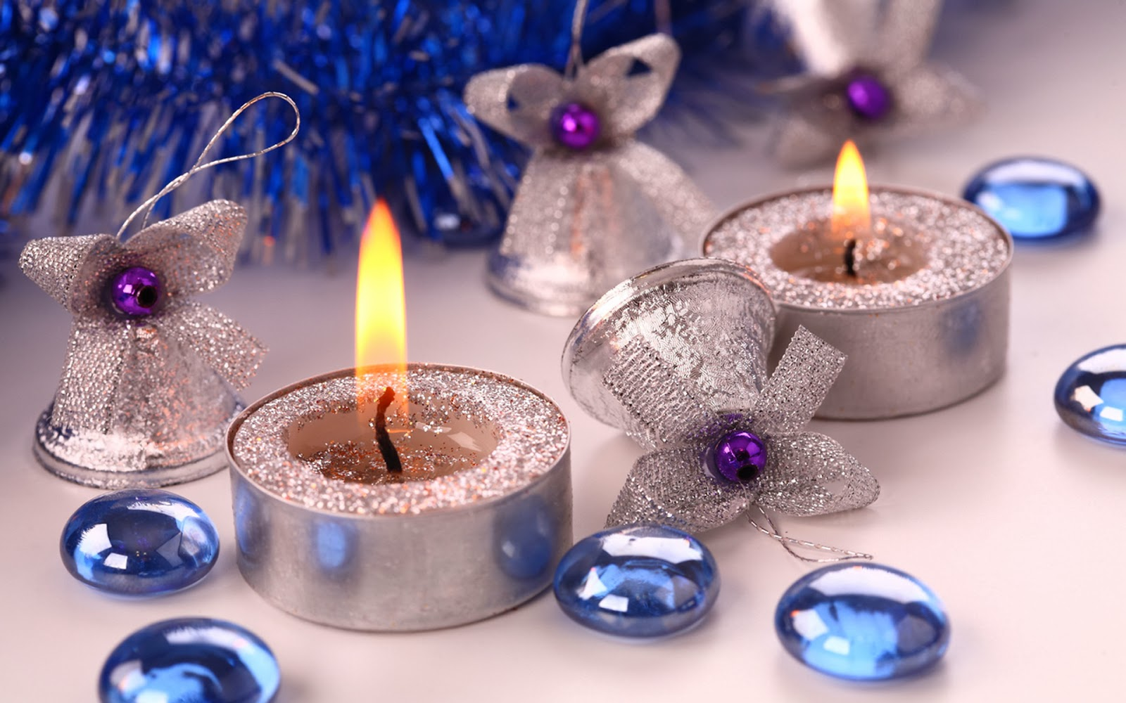 Candles decorations new year floating candles ideas for Decoration new year