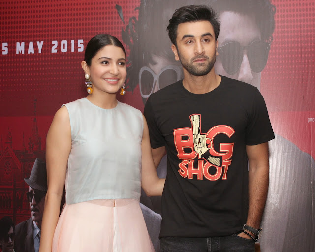 Anushka Sharma Looks Super Sexy At Film 'Bombay Velvet' Promotions