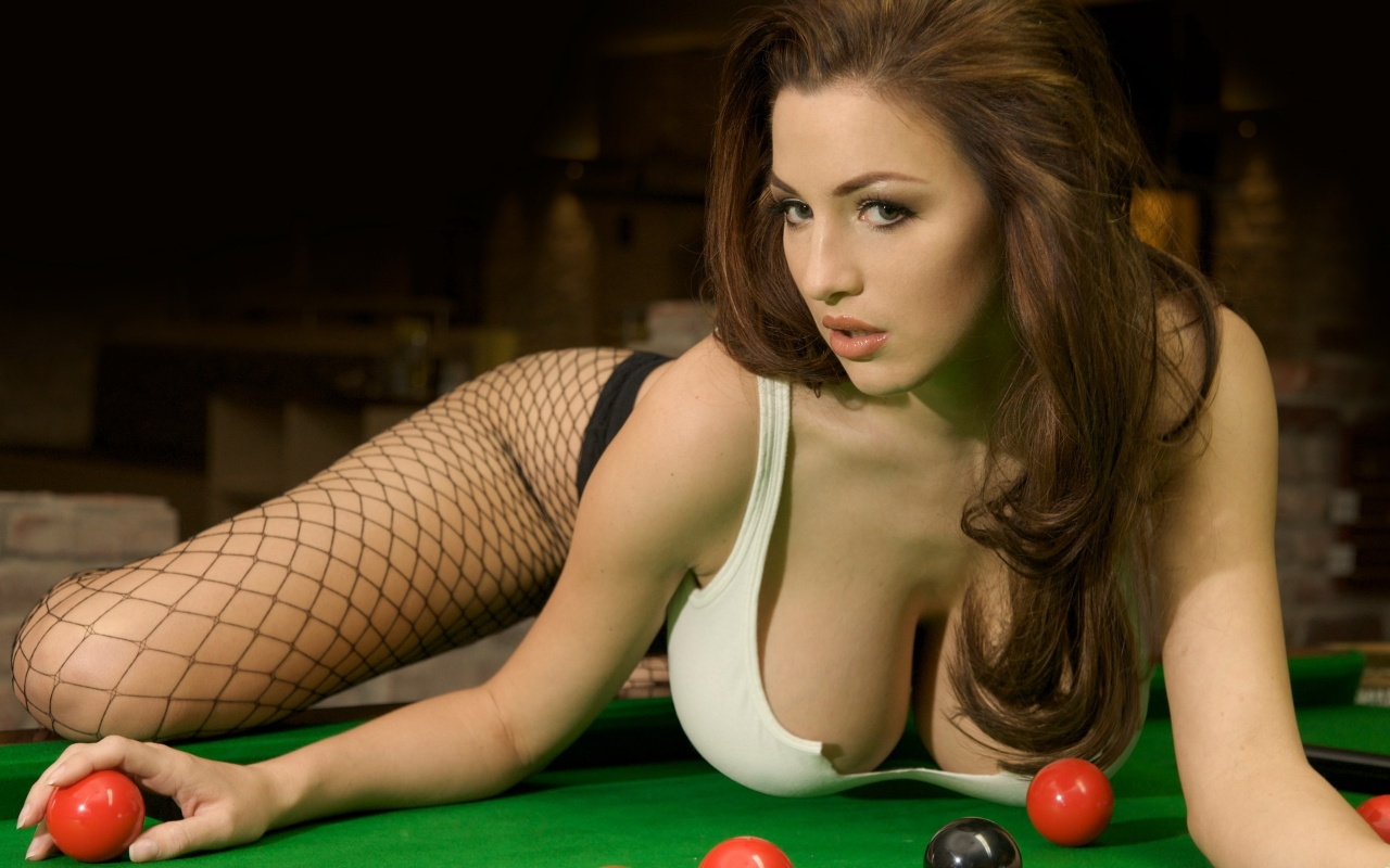 http://2.bp.blogspot.com/-b0_9VugOGs0/Tnn6oHTWQtI/AAAAAAAAJr8/fnas7sht86A/s1600/jordan-carver-billiards-play-background-photogalore.blogspot.com-.jpg