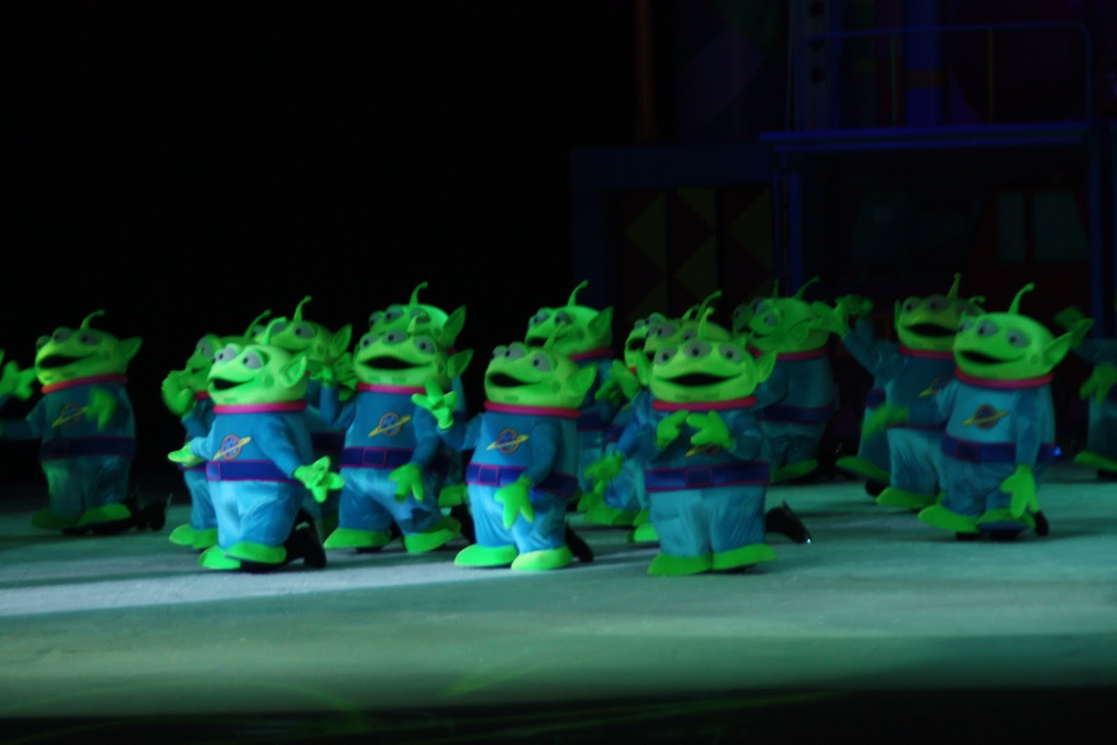 aliens toy story ooo - photo #8