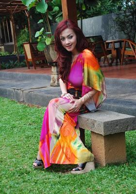 Kumpulan Foto Ade Fitrie Hot Seksi Payudara Besar Artis Indonesia