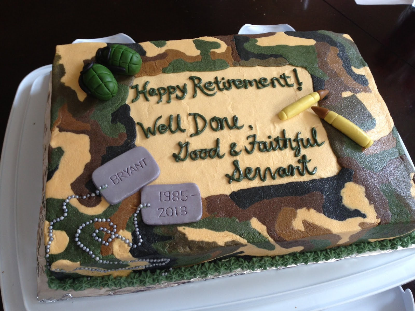 Army Retirement Cake Images : Joyce Gourmet: Army Retirement Cake