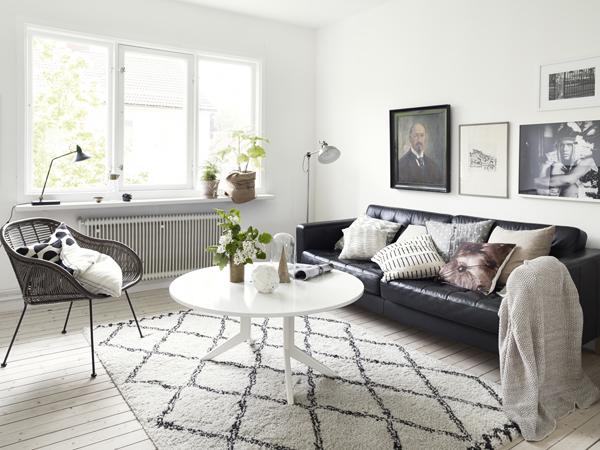 salon apartamento nórdico con toques clásicos