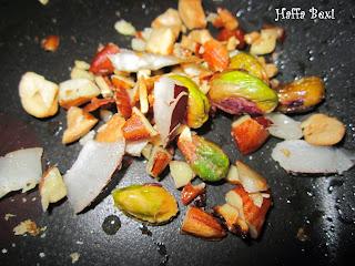 Chawaray | currants | dates | ilaychi | kishmish | milk | sawayia | vermicelli| Sheer Khorma| Desserts