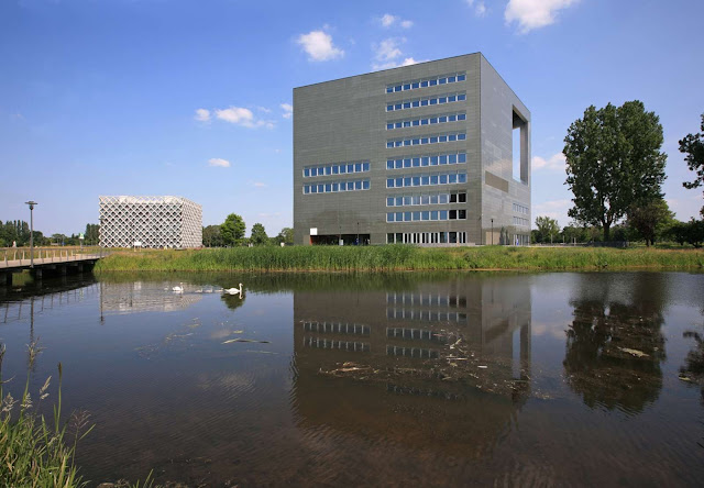 02-Orion-Wageningen-University-by-Ector-Hoogstad-Architecten