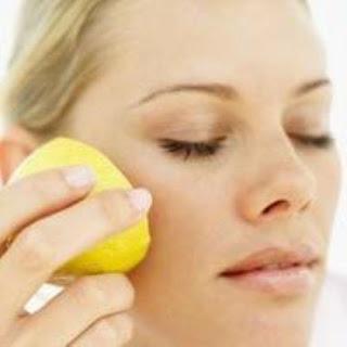 دراسة : الليمون هو افضل طرق علاج البقع السوداء في الوجة