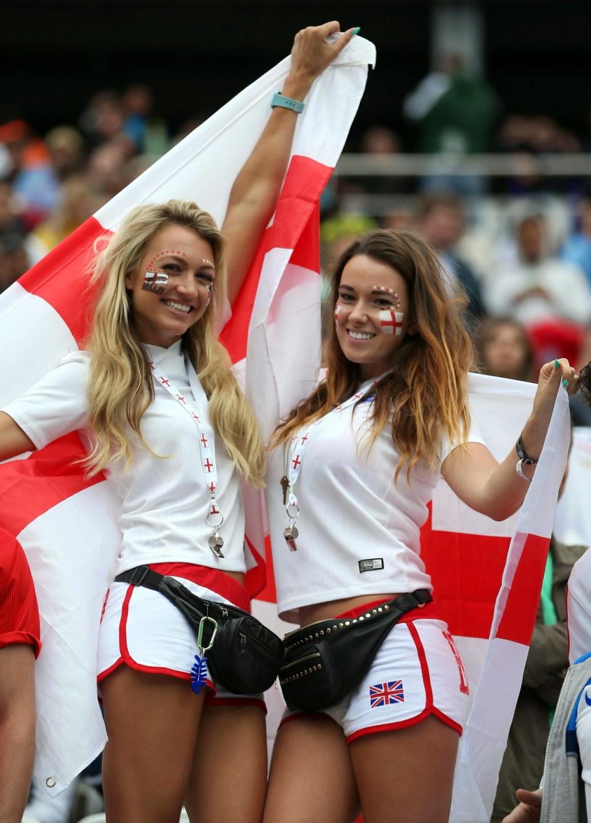 Những fan nữ xinh đẹp, bốc lửa đốt cháy của World Cup 2014