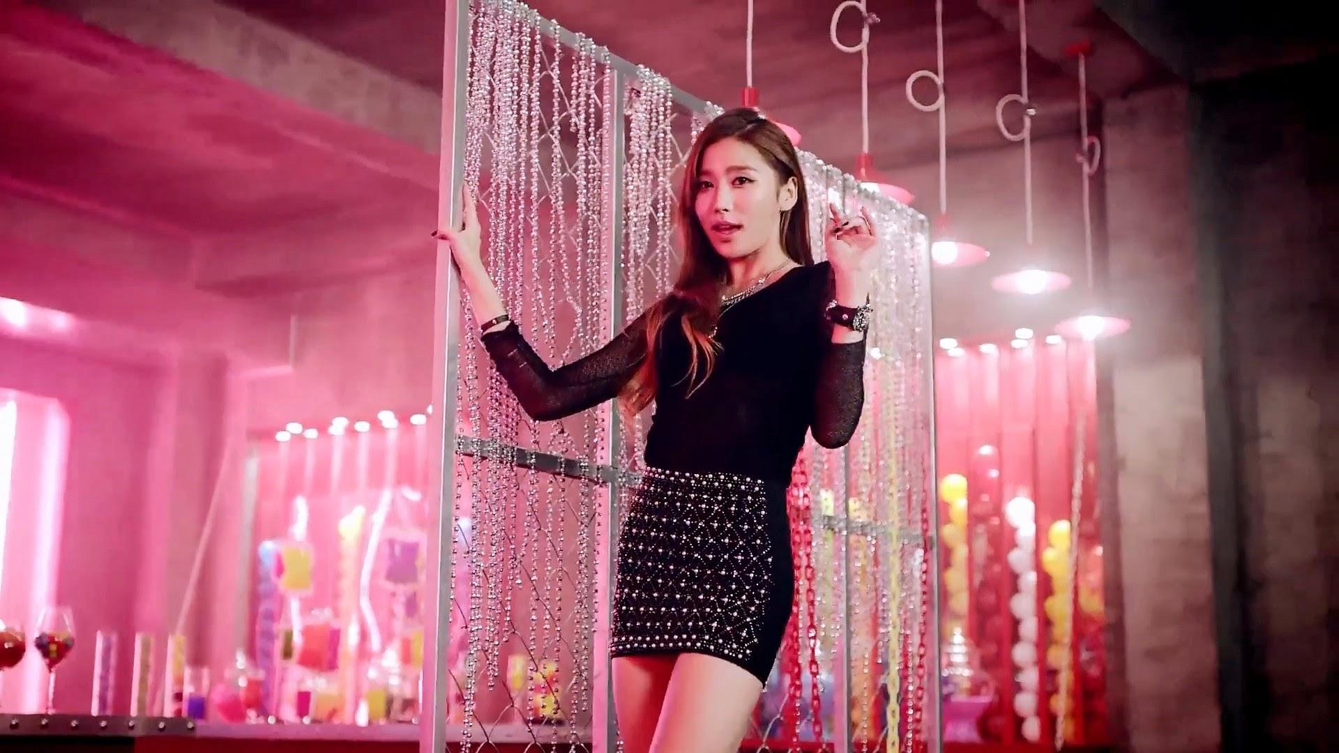HelloVenus Yooyoung StickySticky