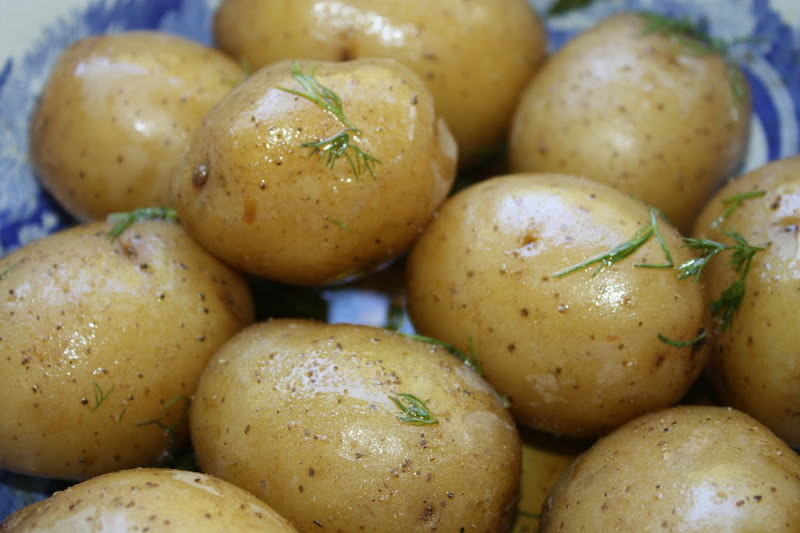 boiled potatoes with herb vinaigrette title=
