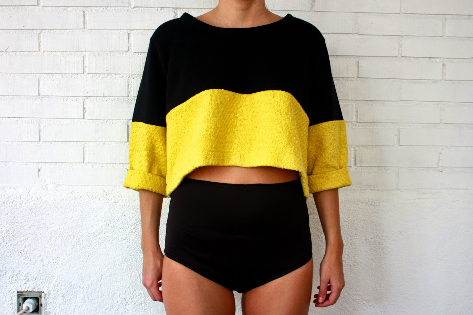 Sudadera bicolor tipo crop-top - Jumper It