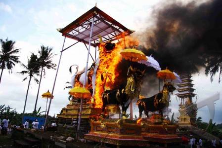 Adat Tradisional Indonesia | Upacara Adat di Indonesia