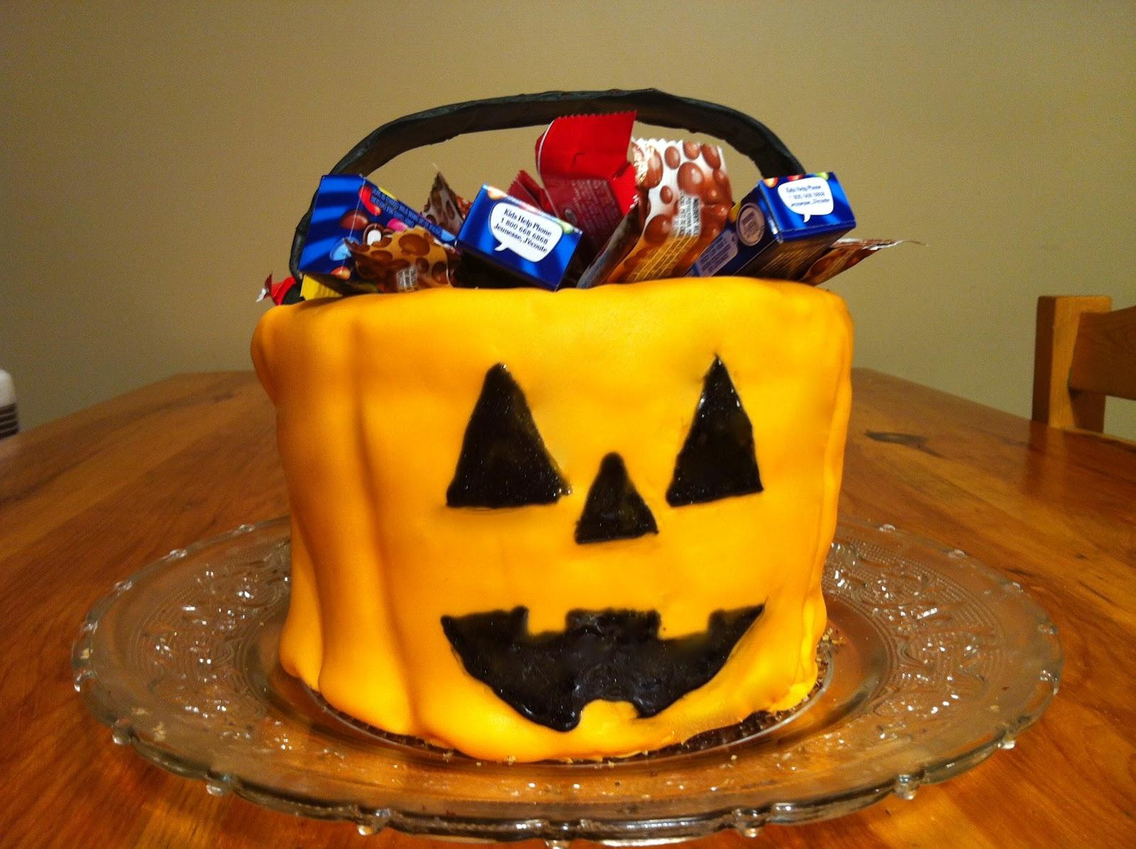 halloween bucket cake