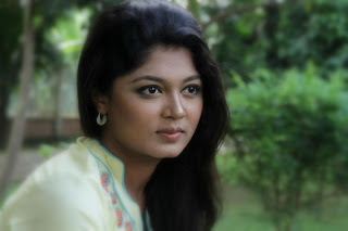 Moushumi Hamid