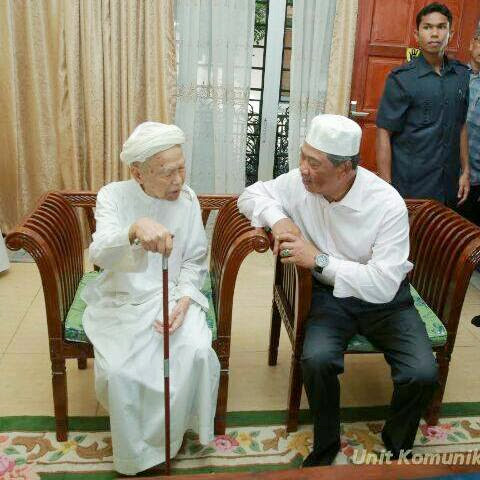 HUDUD IS JUST A TRADITIONAL GAME OF UMNO ; A MOCKERY OUT OF RELIGION !!