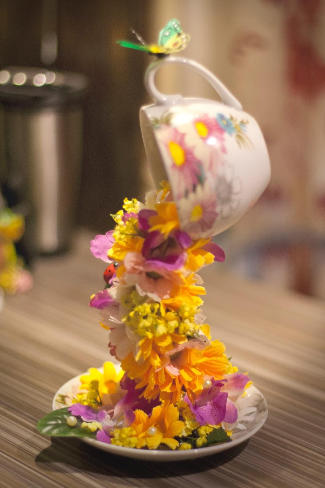 Сувенир своими руками из кружки льются цветы