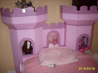 Wood castle bed plans wooden ideas france for Castle bed plans