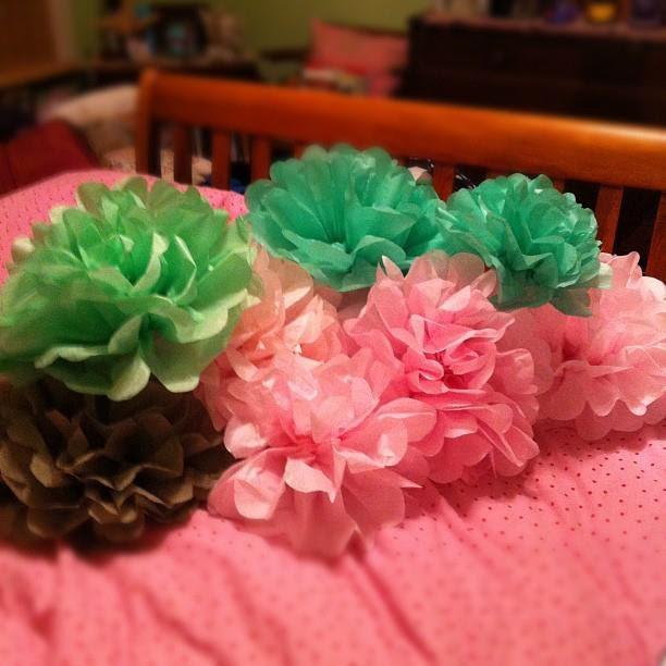 how to make paper pom poms flowers