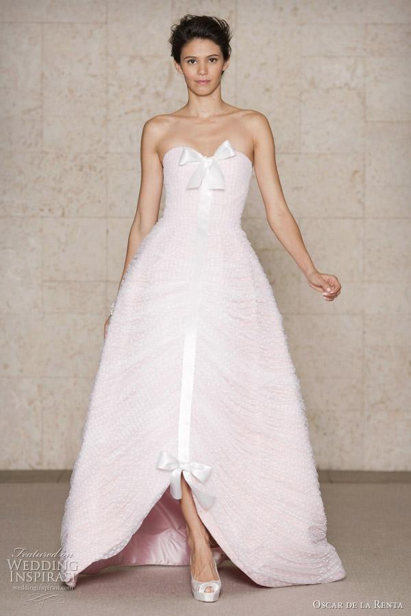 Dream wedding place amazing wedding dresses oscar de la for Oscar dela renta wedding dress